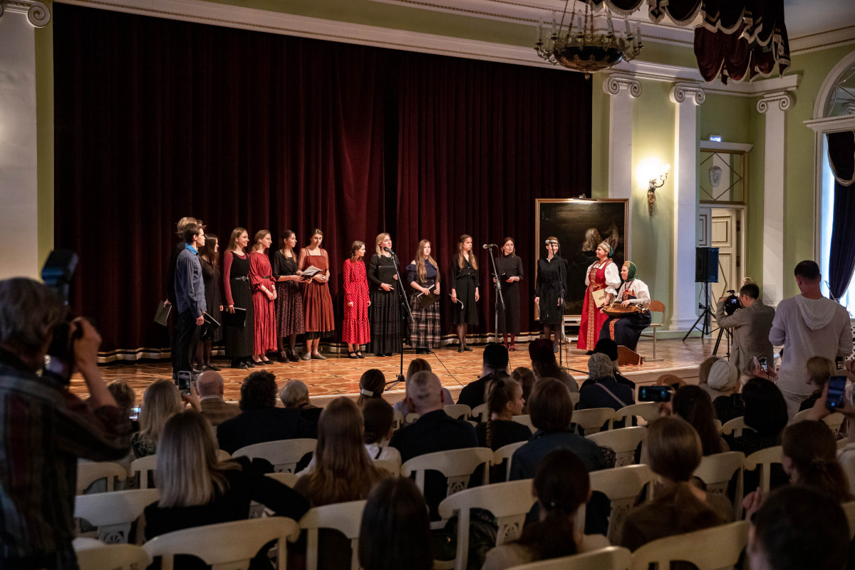 Старообрядческий хор выступил в Академии Глазунова