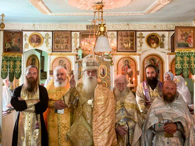 Митрополит Корнилий возглавил службу в станице Ханской